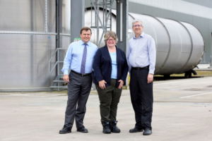 Environment minister checks in on CCEP's sustainability strategy
