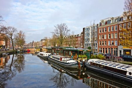 Plastic-free aisle debuts in Amsterdam